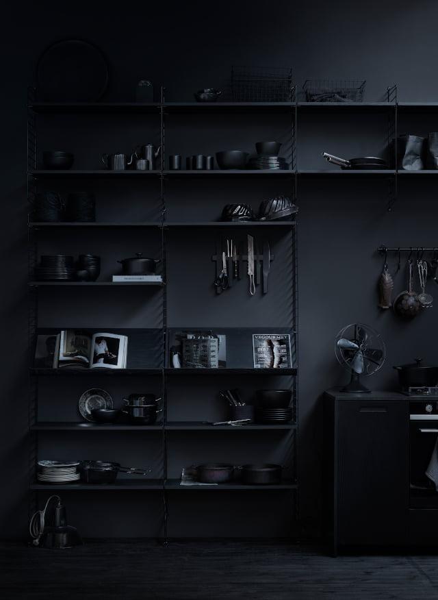 Mørk hylle
